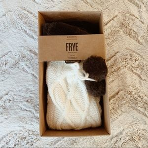 BNIB Frye Ivory Knit Fuzzy Home Socks